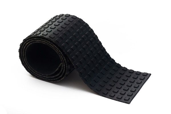 Rubber mat with blocks